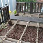 Démontage anciennes lames sur terrasse de mobil-home